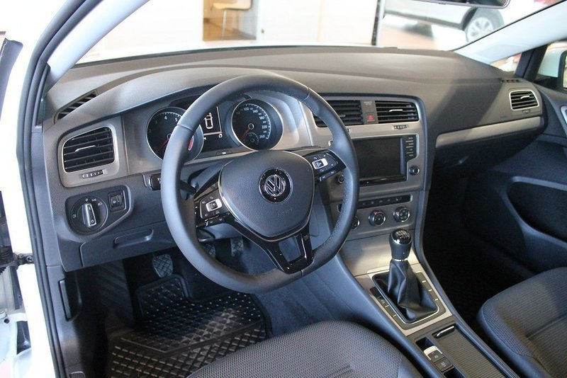 s ld vw golf 1 2 tsi 110 2017 kom begagnad 2016 478 mil i askim. Black Bedroom Furniture Sets. Home Design Ideas
