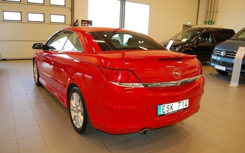 begagnad cosmo 1 8 twin top opel astra cabriolet 2008 km i varberg. Black Bedroom Furniture Sets. Home Design Ideas