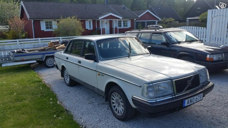 Såld Volvo 240 87a -87, begagnad 1987, 40.000 mil i (Gotland)