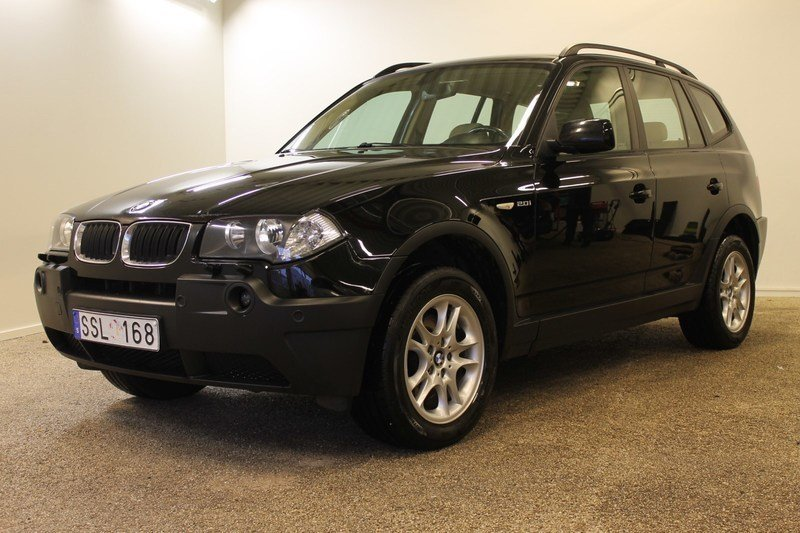 begagnad BMW X3 2.0i (150hk)