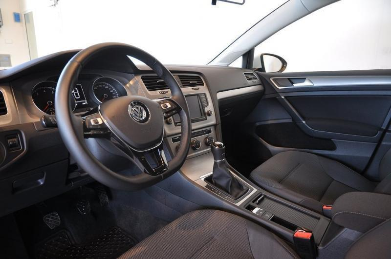 s ld vw golf vii 1 2 tsi masters begagnad 2017 mil i g teborg. Black Bedroom Furniture Sets. Home Design Ideas