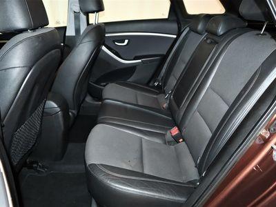 brugt Hyundai i30 Ki 1.6 CRDi M6 Premium Kombi