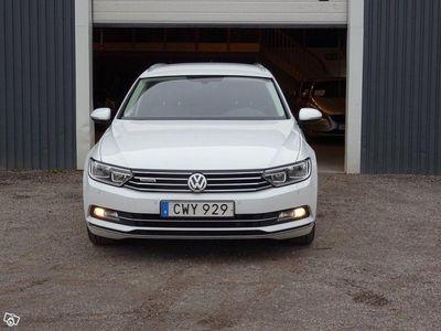 begagnad VW Passat SportsCombi 2.0 TDI SCR Blu -16
