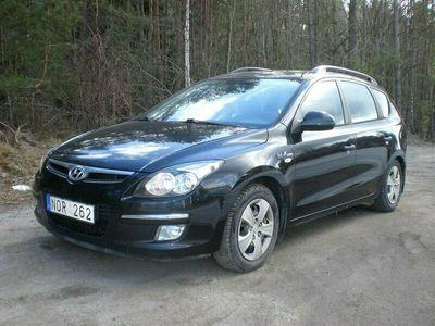 begagnad Hyundai i30 cw 1.6 CRDi Blue Drive 90hk Dragkrok Start/ Stop