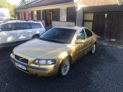 used Volvo S60 r +-01