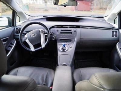 begagnad Toyota Prius 1.8 Hybrid - 10 -10