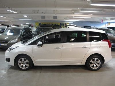 begagnad Peugeot 5008 1,6 HDi 7-Sits Navi En Ägare -14