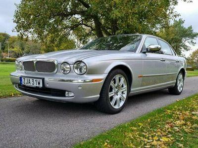 begagnad Jaguar XJ8 X350 4.2 V8 Automat i superskick | Taklucka