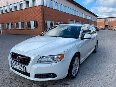 begagnad Volvo V70 D4 163hk Momentum AUT Skinn Drag