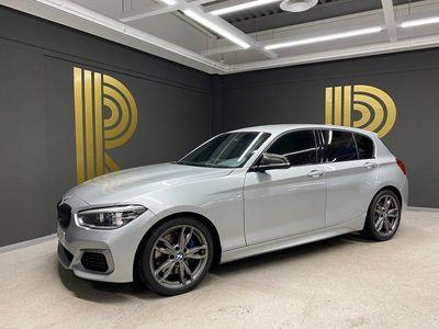begagnad BMW M140 xDrive 5-door H&K PDC 2017, Halvkombi 319 800 kr
