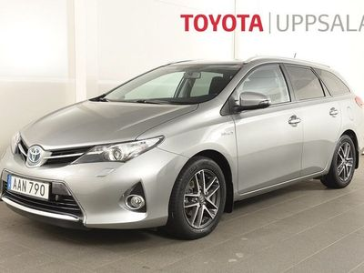 begagnad Toyota Auris Touring Sports Hybrid Kombi 1.8 Elhybrid Navi motorvärmare