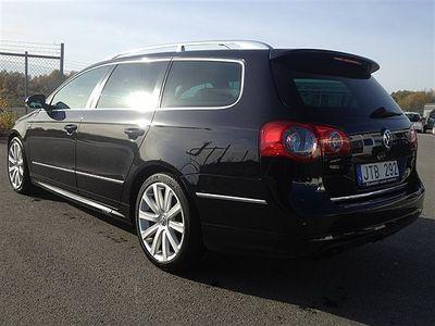 begagnad VW Passat 2.0TDI/R-LINE/AUTO PARKING Kombi 169.900 kr