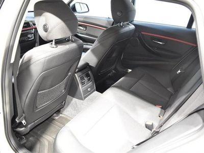 begagnad BMW 318 d xDrive Touring Model Sport
