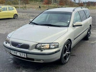 begagnad Volvo V70 2.4T Automatik, Ny besiktigad, Drag, Motorvärmare