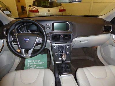 begagnad Volvo V40 D3 Summum -13
