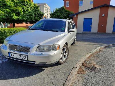 begagnad Volvo V70 2.4D Ny besiktad