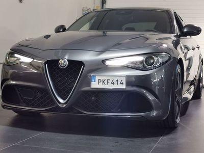 begagnad Alfa Romeo Giulia Quadrifoglio V6 510hk RWD Keramiska