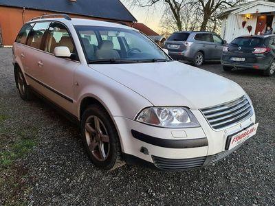 begagnad VW Passat Variant 1.8 T 150hk Dag S+V Hjul