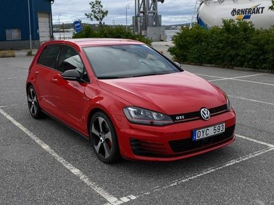 begagnad VW Golf GTI Performance 2.0