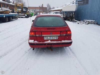 begagnad Saab 900 5-dörrar 2.0 130hk nybes låga mil