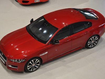 begagnad Jaguar XE 20d 180 hk R-Sport EUR6 -16