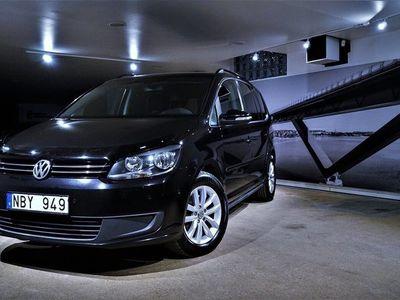 begagnad VW Touran 2.0 TDI DSG / Värmare / Drag / Navi