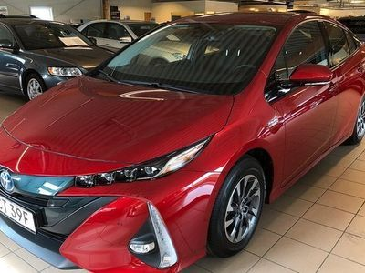 begagnad Toyota Prius Plug-in Hybrid 1,8 Executive Navigation 2018, Halvkombi 309 000 kr