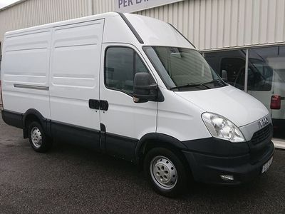 begagnad Iveco Daily 35S13 12m3 5600 mil Automat 126 hk