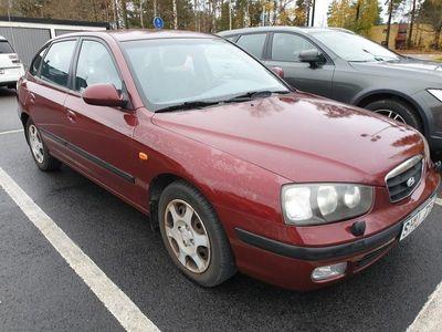 begagnad Hyundai Elantra Halvkombi 2.0