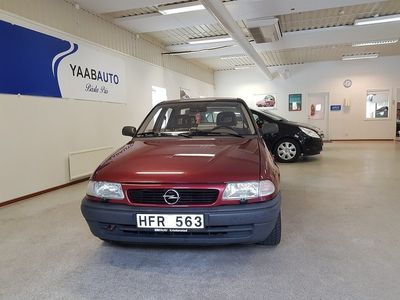 begagnad Opel Astra Sedan 1.6 101hk -98