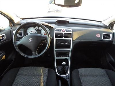 begagnad Peugeot 307 2.0 Combi 13000 mil 27000kr