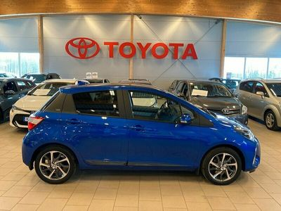 begagnad Toyota Yaris 1,5 5-D Y20 SKYVIEW / Vinterhjul, SPI mm