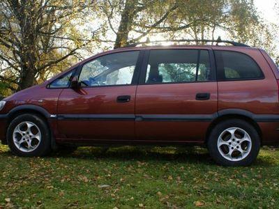 begagnad Opel Zafira 7 platser -00