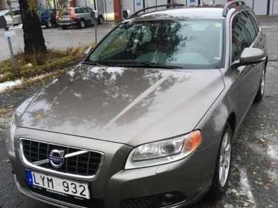 begagnad Volvo V70 2.5 FT AFV Momentum