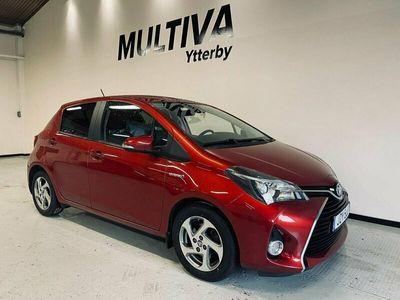 begagnad Toyota Yaris Hybrid 1.5 Nyserv Lågmil BT VVT-i CVT Eu6 101hk