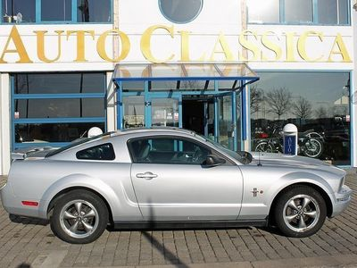 used Ford Mustang V6 Coupé AUTOMAT