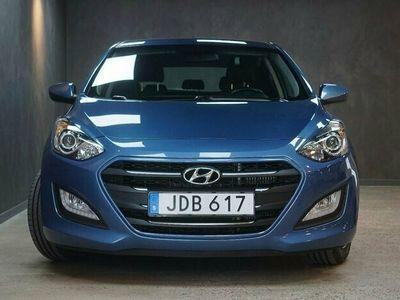begagnad Hyundai i30 5-dörrar 1.6 CRDi 110hk Nyservad V-hjul
