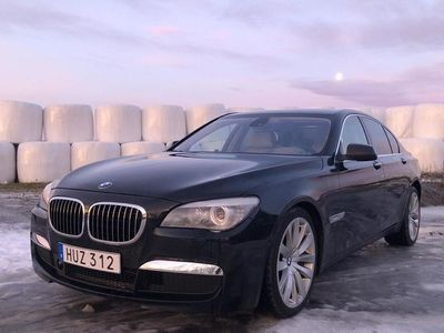 begagnad BMW 750 7-serien i Sedan, F01