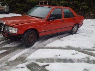 begagnad Mercedes 190 2.0 repobjekt