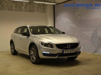 begagnad Volvo V60 CC D4 AWD Classic Pro Garanti 24 månader (Parkeringssensor fram/bak, Navigation, Klimatpaket On call)
