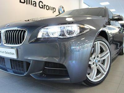 begagnad BMW 530 D xDrive M-Sport Innovation Drag 19Tum