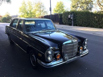 begagnad Mercedes 300 SEL 6.3