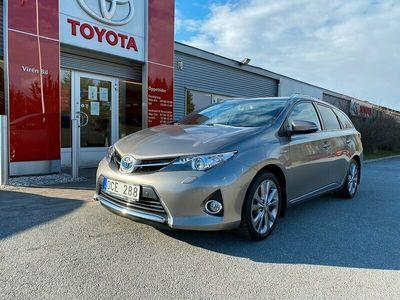 begagnad Toyota Auris 1.8 Elhybrid Touring Sports Executive