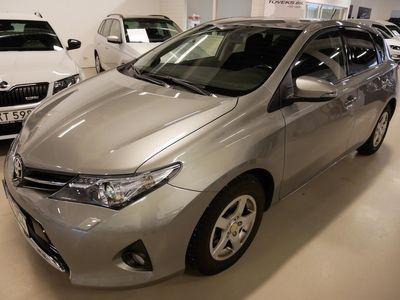 begagnad Toyota Auris 1.6 132hk Edition 50 Dragkrok