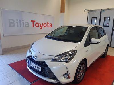 begagnad Toyota Yaris Hybrid 1,5 5-D Y20 SPI Vinterhjul Motorv
