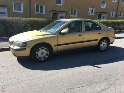 begagnad Volvo S60 2,4 170hk Manuell Nybesiktigad -01