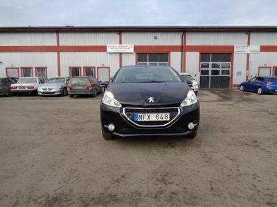 begagnad Peugeot 208 Active 1,2 VTi / Låga mil