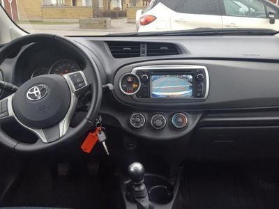 begagnad Toyota Yaris 1,33 5-D Active Kamera V-S-Hjul -12
