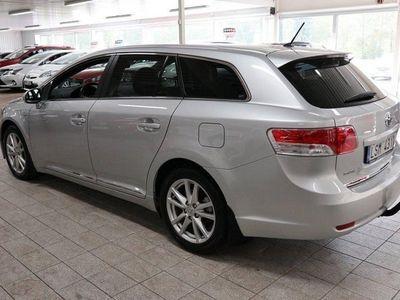 begagnad Toyota Avensis Kombi 2.2D 150hk AUT Skinn Nav Vinterhjul