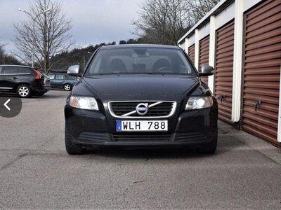 begagnad Volvo S40 1.6 Momentum, R-Design